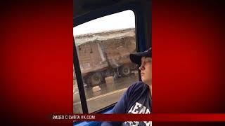 08 08 2018 ДТП в Удмуртии: фура придавила «Ладу Весту»