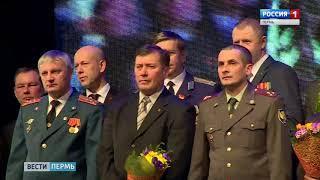 Нефтяники поздравили защитников Отечества
