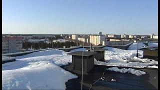 Не все рады весне: в когалымских многоэтажках протекают крыши
