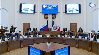 Депутаты рассмотрели три десятка вопросов на очередном заседании областной думы