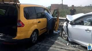 В Астрахани в лобовом ДТП пострадали 6 человек