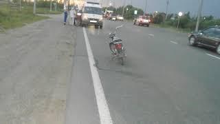 В Ярославле нетрезвый водитель без прав перевернулся на мопеде