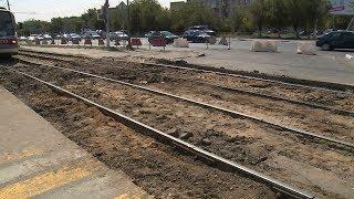 В Дзержинском районе ремонтируют трамвайные пути