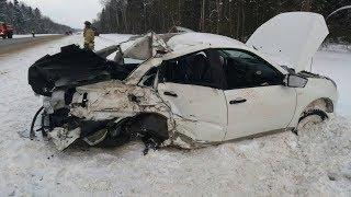 Мужчина погиб в аварии на трассе Вологда - Новая Ладога