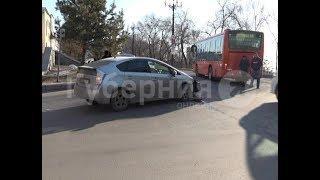В спорное ДТП попали водитель рейсового автобуса и автолюбительница. Mestoprotv