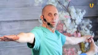 Заряд бодрости #149.  Бодрящая утренняя практика йоги с Ильдаром Булгаковым