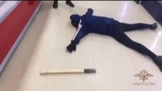 В Приангарье задержали подозреваемых в разбойном нападении на магазин