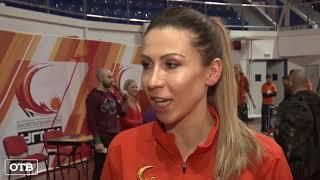 Баскетболистки УГМК провели тренировку для екатеринбургских школьников