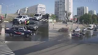 В Харькове машина без водителя устроила ДТП