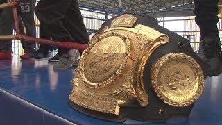 В Ставрополь приехал чемпион мира по кикбоксингу Артём Левин.