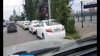 Интернет-пользователей возмутило видео с машинами красноярских чиновников