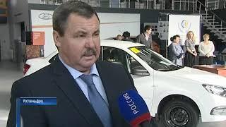Ростовчанам, которые стали инвалидами на производстве, подарили машины