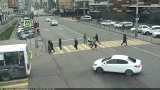 Перекрёсток улиц Кубанская набережная и Мира, 3 февраля