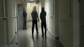 В Рыбинске закоренелый рецидивист в лифте с ножом пытался ограбить женщину
