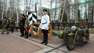 300-летнюю историю полиции инсценировали на центральной площади Ханты-Мансийска