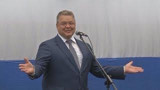 Губернатор Владимиров поздравил ставропольских школьников в селе Степном