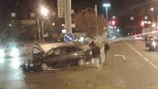 ДТП в Ярославле: иномарка протаранила «Ладу»