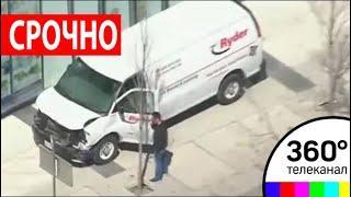Наезд фургона в Торонто: россиян среди пострадавших нет