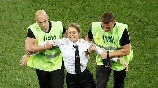 Pussy Riot перфоманс финал чемпионат мира  Франция Хорватия футбол