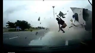 [ВДРЕБЕЗГИ 21+] Подборка ЖЕСТКИХ аварий на дорогах