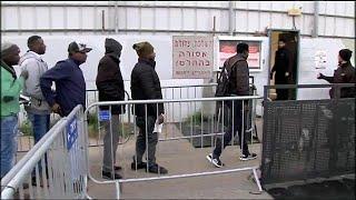 Израиль отложил высылку африканских беженцев
