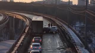 ДТП на виадуке в Воронеже