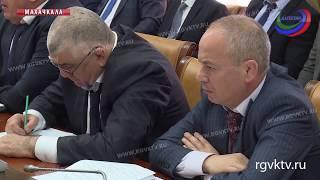 На заседании правительства республики обсудили актуальные проблемы экономики региона