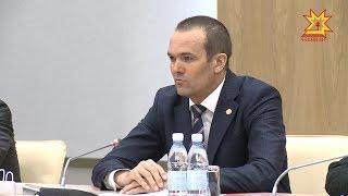 В доме правительства подвели итоги социально-экономического развития республики за первый квартал.