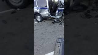 В ДТП в Макаровском районе пострадали полицейские и сотрудник следкома