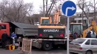 В Волгограде на проспекте Ленина прорвало магистральный трубопровод