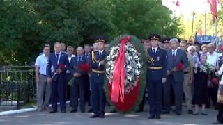 В День памяти и скорби саратовцы возложили цветы к «Воину-освободителю»
