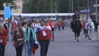 """Болельщики покидают """"Лужники"""" после матча Россия - Испания"""