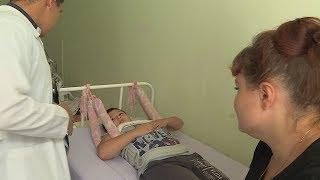 В Уфе ребенок оказался прикованным к кровати после неудачного прыжка с тарзанки