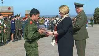 25 военно-патриотических клубов прошли по площади Славы в Самаре
