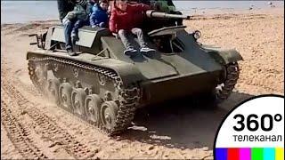 Люди попали под танк на фестивале в Санкт-Петербурге