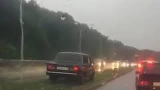 Автохам объехал пробку по разделительному газону в Ставрополе