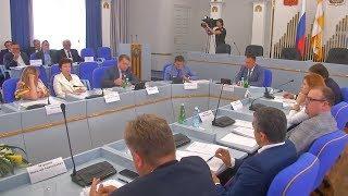 Краевые депутаты знакомятся с посланием Губернатора