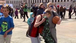 Сегодня в России отмечают День защиты детей