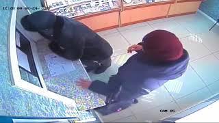 Полиция Сыктывкара разыскивает подозреваемую в мошенничестве