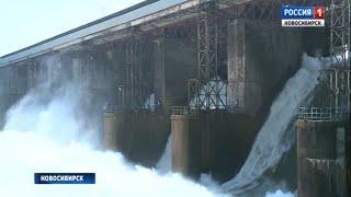 Новосибирская ГЭС начала сброс топляка из водохранилища