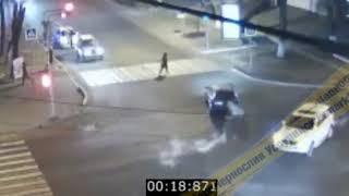 В Уссурийске автомобиль сбил и переехал школьницу на пешеходном переходе
