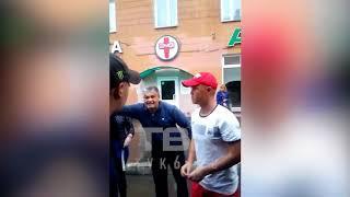 В Красноярске водители автобусов подрались до крови на глазах у пассажиров