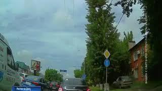 По тротуару, как по дороге: ростовский автохам попался на видео