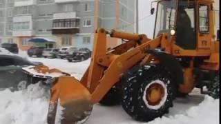 Жители города помогают коммунальным службам в борьбе со снегом