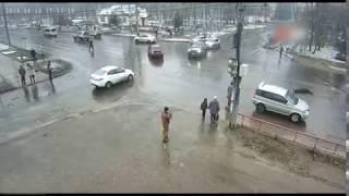 В Рыбинске водитель сбил пешехода и скрылся с места ДТП