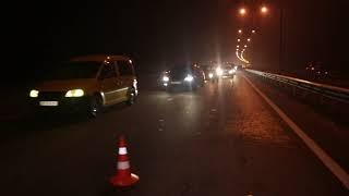 В Киеве на Богатырской Toyota влетела в машину во время оформления ДТП