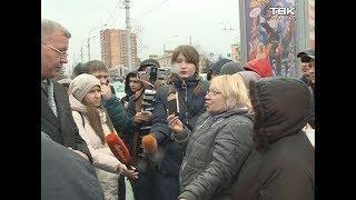 Владельцы павильонов на улице Партизана Железняка перекрыли дорогу