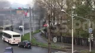 «Газель» загорелась на ходу в Вологде: ВИДЕО