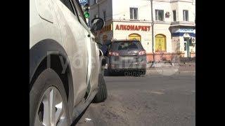 Автолюбительница проехала перекресток на «красный» и попала в ДТП в Хабаровске.
