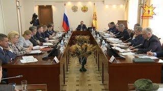 Поддержку волонтеров обсудили в Доме правительства.
